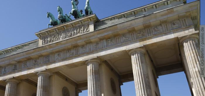 Berlin Brandenburger Tor bei Sonnenschein