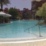 Grand Resort Pool vom Frühstückstisch aus