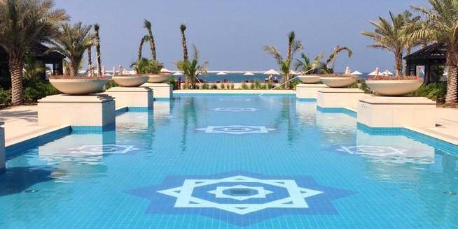 waldorf-astoria-ras-al-khaimah-pool
