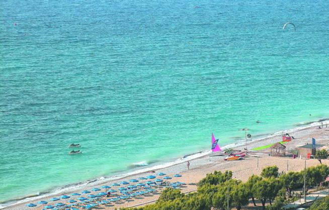 1 woche rhodos direkt am strand inkl flug hp f r 366 for Hotel in warnemunde direkt am strand