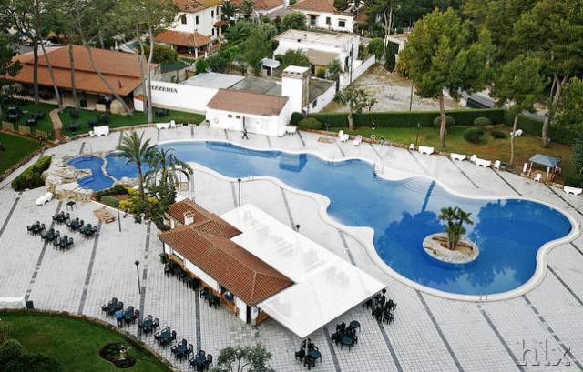HLX_Hotel_BQ_Belvedere_Poolanlage