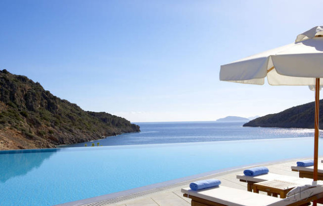 daios-cove-luxury-resort-pool