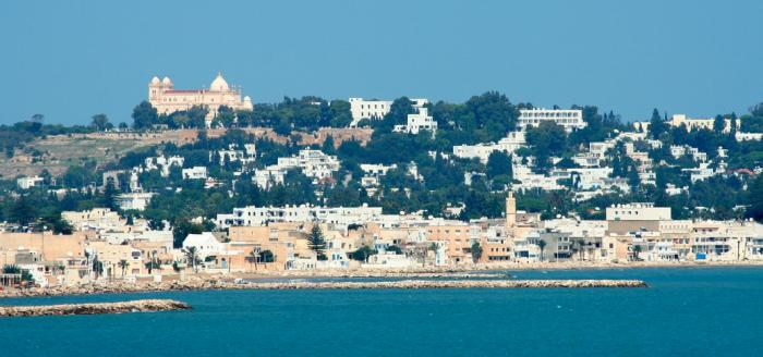 Tunesien_Stadt_Kulisse_Strand