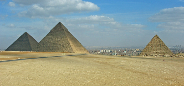 Aegypten_Wueste_Pyramiden