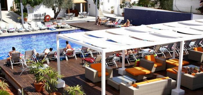 Pool-Hotel-Puchet-Ibiza-WegDe