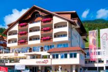 travador_Alpen_Herz_Hotel_Außenansicht