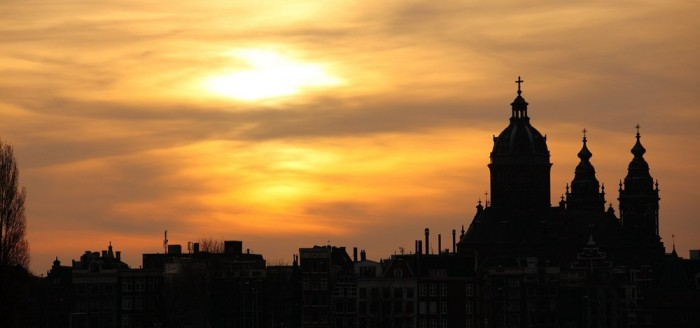 Amsterdam Skyline Sonnenuntergang Gracht Boot