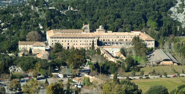 HLX_Mallorca_Kloster_Aussenansicht