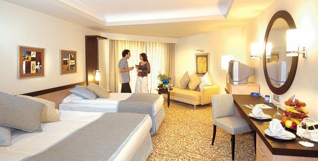 HLX_Tuerkische_Riviera_Hotel_Royal_Wings_Zimmer