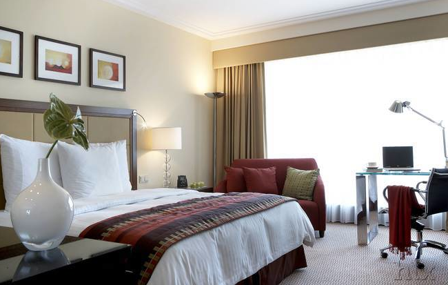 silvester in warschau 3 tage im hilton hotel inkl fr hst ck und flug ab berlin f r 244. Black Bedroom Furniture Sets. Home Design Ideas