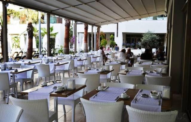 HLX_Tuerkische_Riviera_Side_Port_Side_Hotel_Terrasse