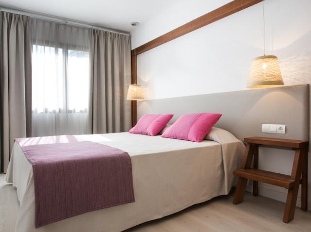 TUI_com_Cala_Tarida_Hotel_Wohnbeispiel_3