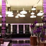 hotel-fairmont-bab-al-bahr-lobby