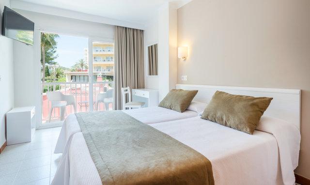 Doppelbett Hostel Residencia Sutimar LTUR