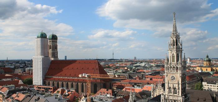 Muenchen_Stadtblick_Frauenkirche