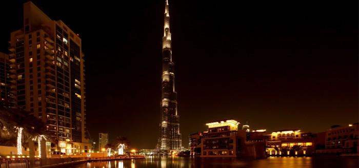 Dubai Burj Khalifa bei Nacht_pixabay