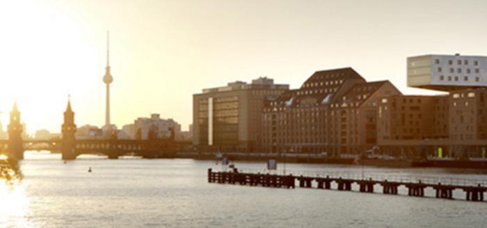travelcircus_nhow_berlin_fassade