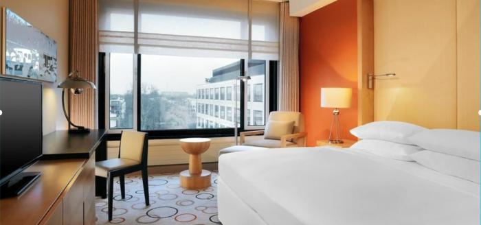 hotelscom_sheraton_berlin_esplanade