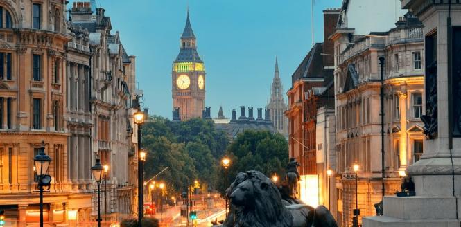 london-bei-nacht-travelbird