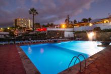 dc-xibana-park-pool-nachts-ltur