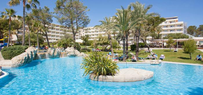grupotel-gran-vista-spa-tui-can-picafort-mallorca-pool