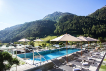 Hotel Arlmont Pool mit Panoramablick Travador