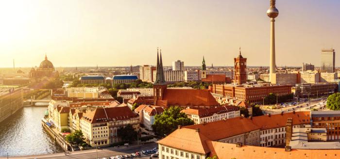 skyline-ueber-berlin-fernsehturm