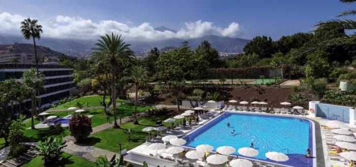 hotel-taoro-garden-pool-ausblick