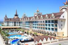 side crown palace aussenansicht