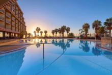 four views oasis pool