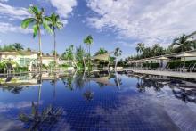 kantary-beach-hotel-khao-lak-pool-anlage