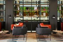 lobby crowne plaza hotel