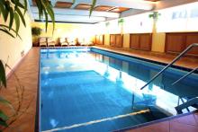 travador_timmendorferstrand_hotelyachtclub_pool