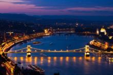 budapest von oben bei nacht