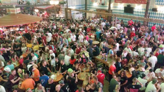 Bierkoenig Opening Wochenende Aussenbereich