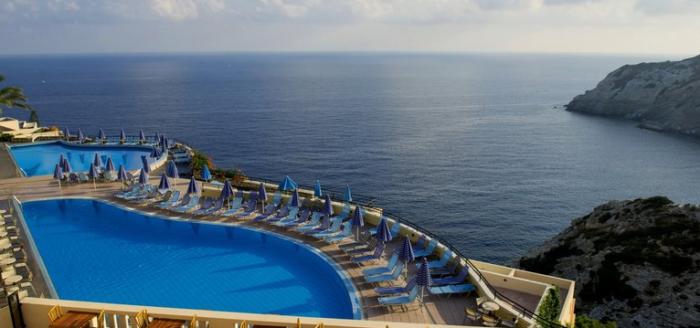 chc athina palace resort spa pool aussicht