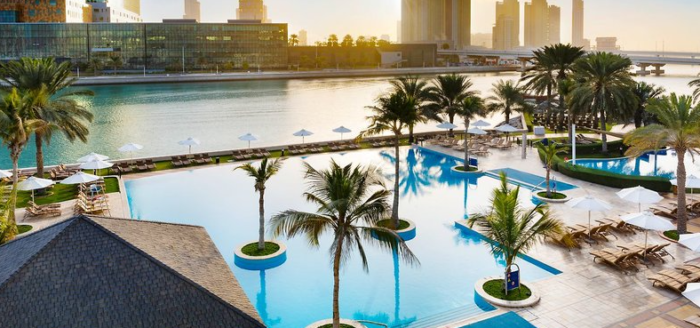 beach rotana abu dhabi pool
